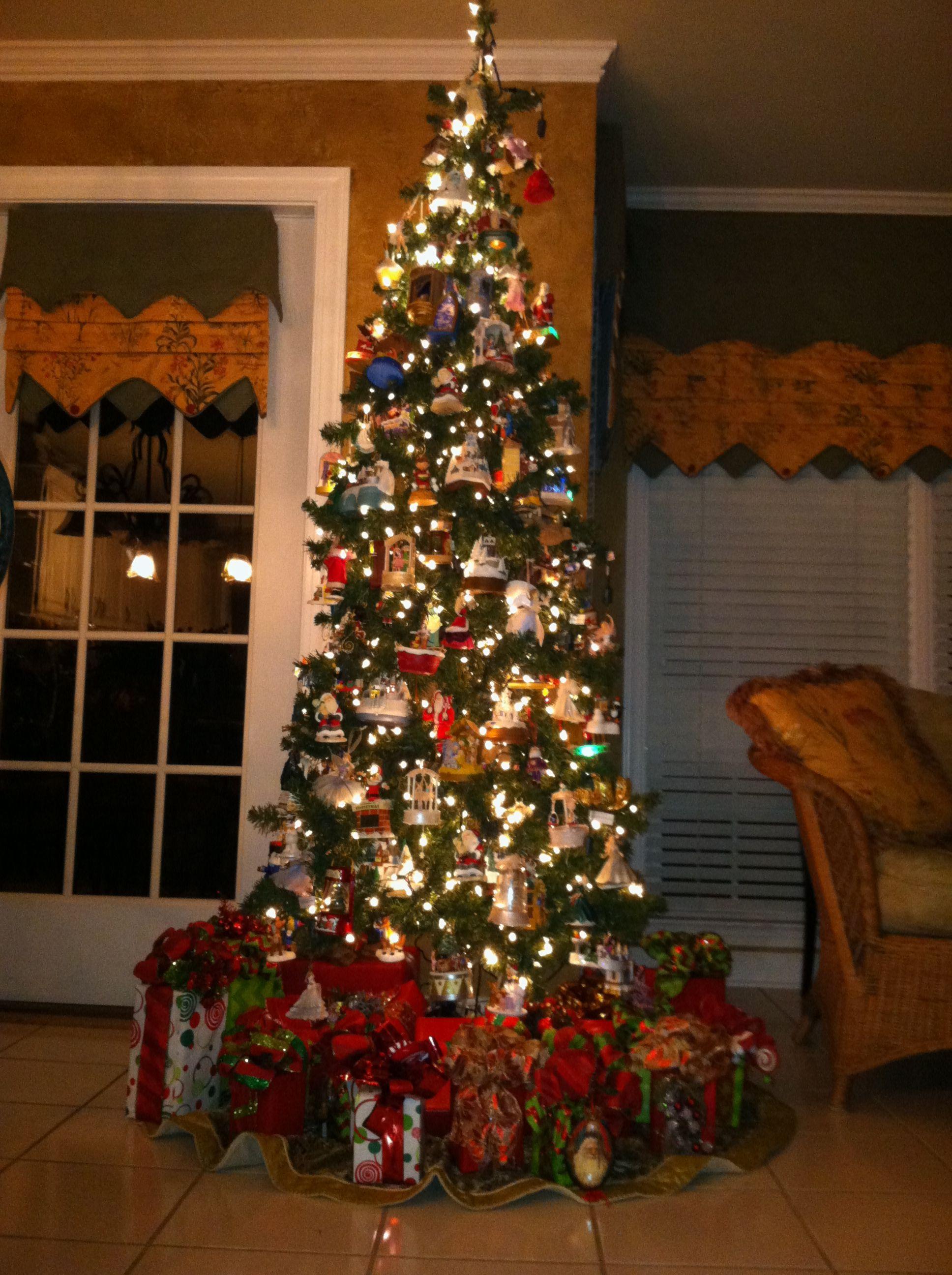 Hallmark tree up.