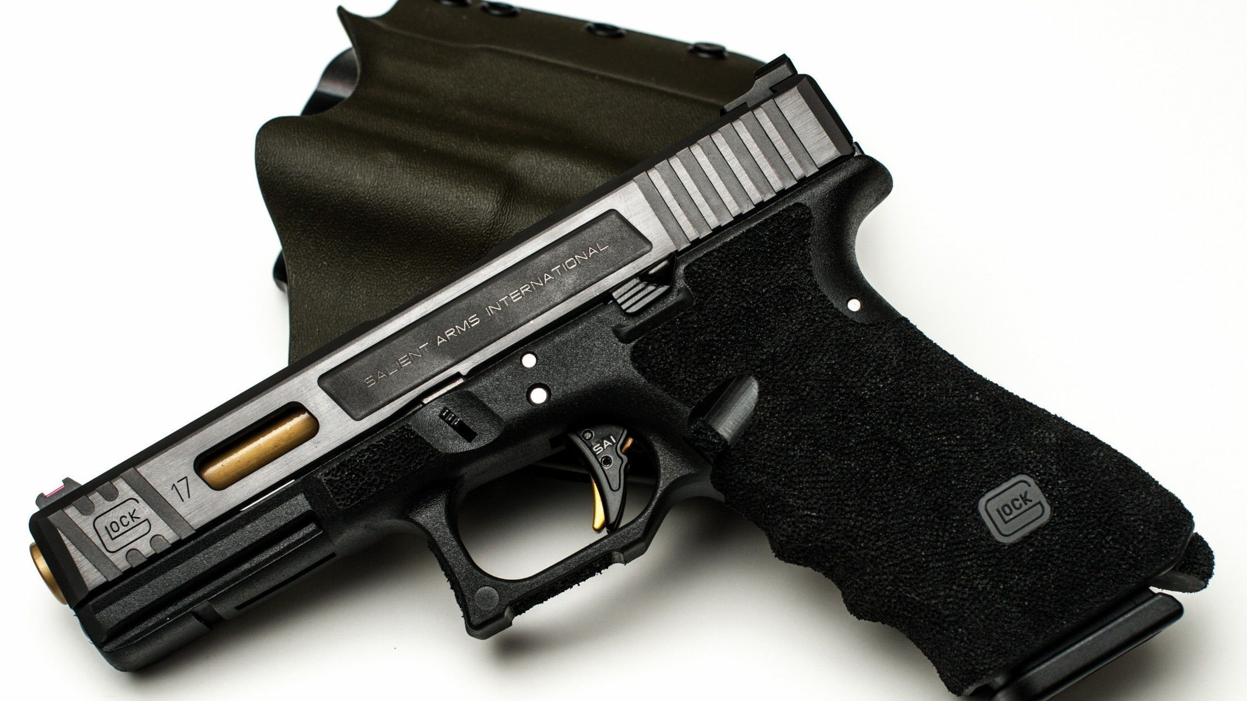 Salient Arms Glock 17 I love this gun