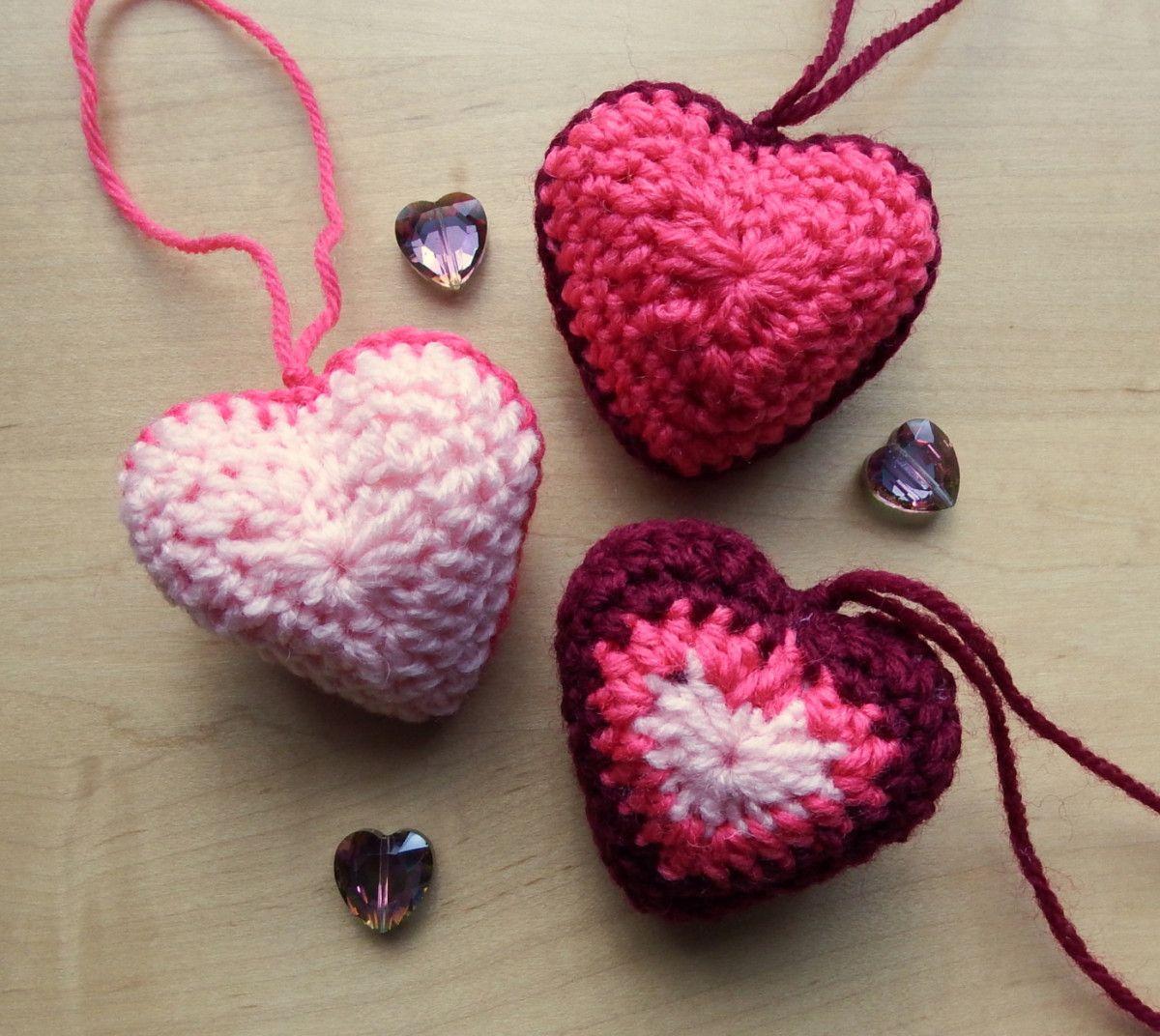 Crochet 3D Heart Pattern Video Tutorial   Hanging hearts, Free ...