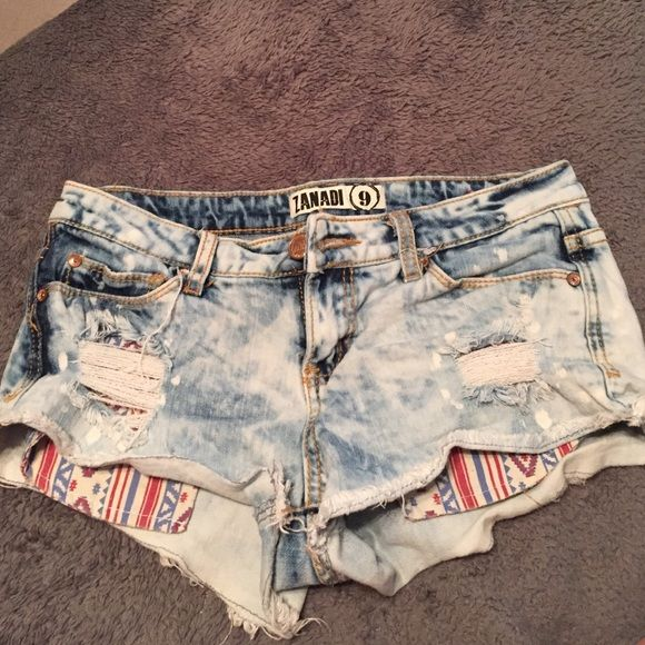 Shorts Super cute and comfy shorts! Says size 9 but it's around a 2-4 I would say! Shorts Skorts
