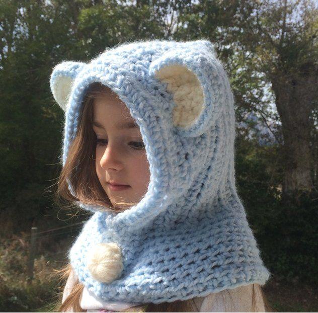 Joli capuche avec des oreilles d animaux. Tiens très chaud pour un enfant.  Vous pouvais la faire en différents style (panda, renard, loups), ... 70e7f8eca3f
