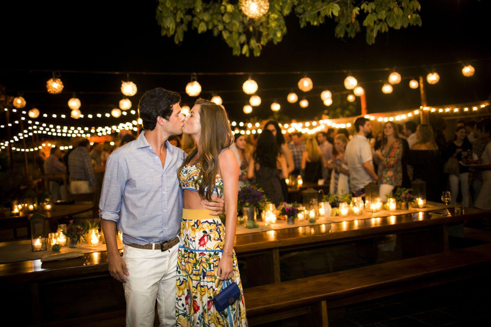 Samantha & Jonathan Glass' Oceanfront Wedding in Playa Del