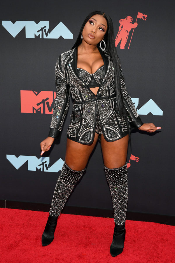 Megan Thee Stallion At The 2019 Mtv Video Music Awards 2019 Awards Music In 2020 Rapper Outfits Female Rappers Stallion