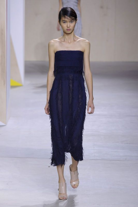 Trendy Wiosna Lato 2016 Modne Fryzury Buty Manicure Fashion Week Spring Fashion Week New York Fashion Week