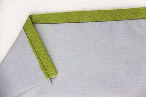 How to Sew a Professional Hong Kong Seam Finish + GIVEAWAY | Sew Mama Sew | Bloglovin'