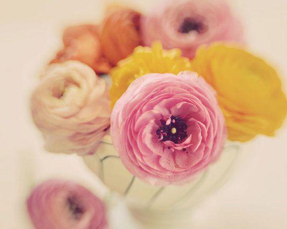 VENTA Ranunculus fotografía, estampado de flores de 8 x 10, ramo de flores Vintage fotografía, Foto Floral, fotografía de naturaleza, amaril...