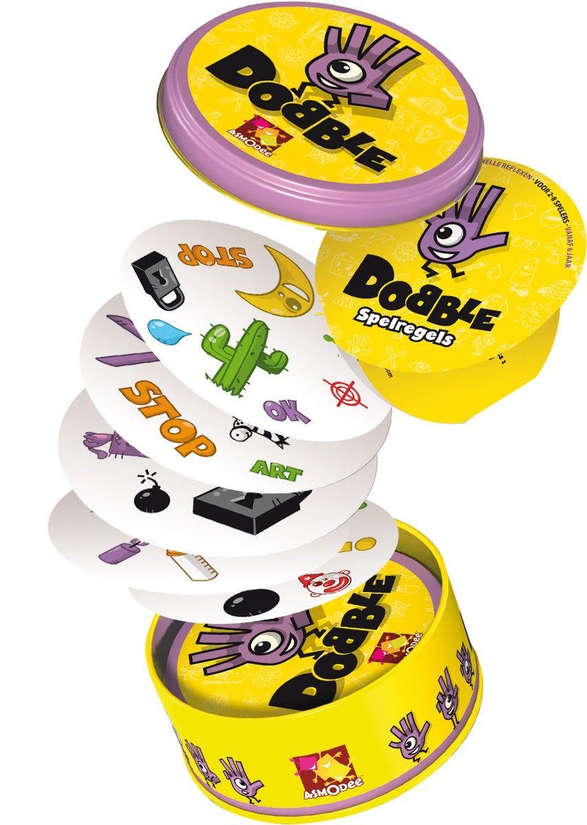 Dobble 6+ - Dobble is een observatie - en snelheidspel waarbij alle spelers gelijktijdig spelen. Welke spelversie je ook speelt, je moet steeds proberen om als eerste het identieke symbool tussen twee kaarten te vinden en te benoemen.