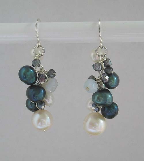 Cluster Earrings – Blue/Black
