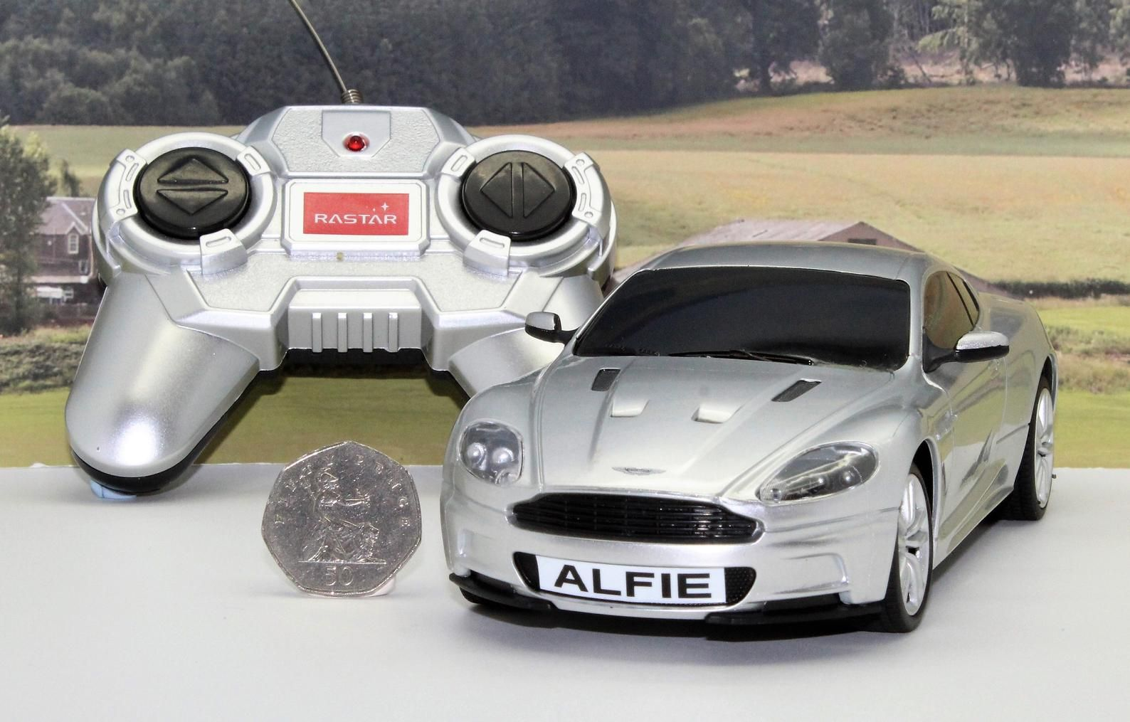 PERSONALISED PLATES 1//24 Radio Control Silver ASTON MARTIN Boys Toy Car Present