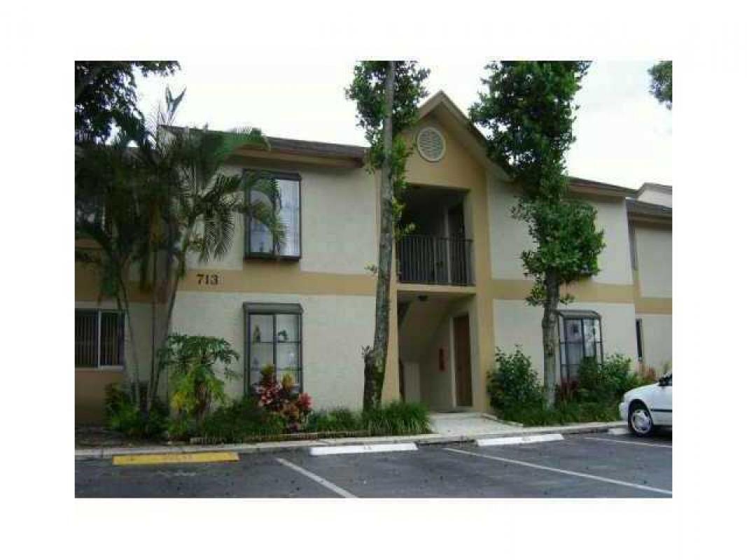 View A Virtual Tour Of 713 Gardens Drive 103 Pompano Beach FL 33069