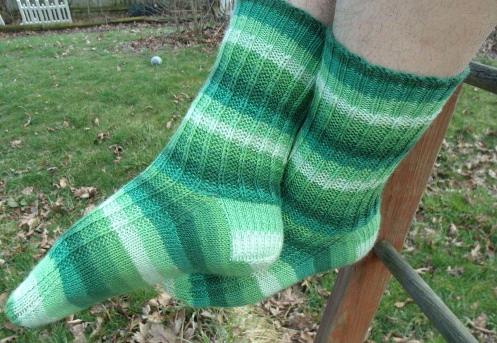 (Not) Wasting Time Socks | Knitting gift, Sock knitting ...