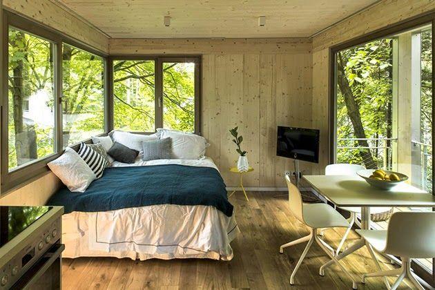 Arquitectura innovadora- casa del árbol de acero en Berlín, Alemania.
