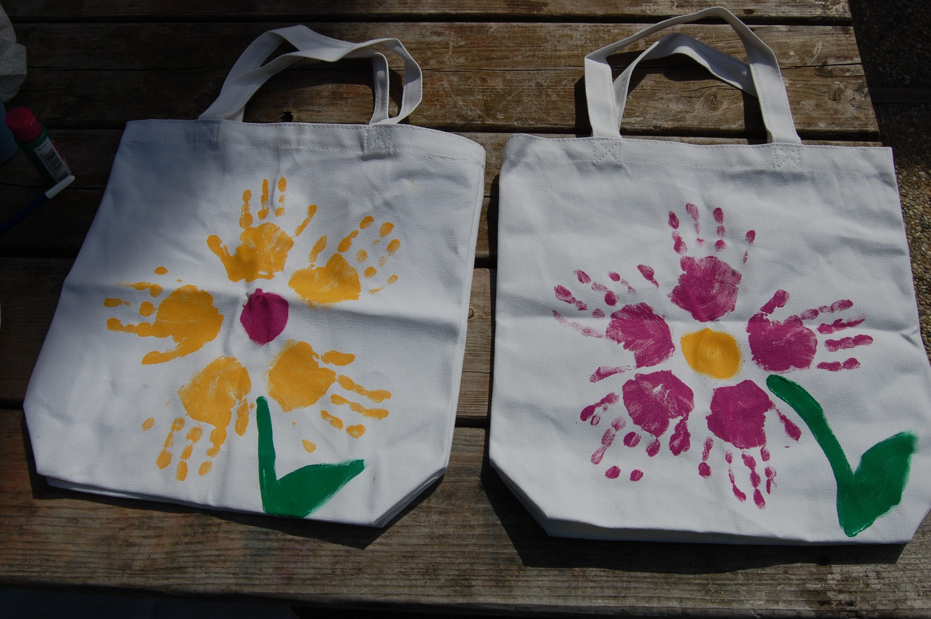 The 22 sweetest mother 39 s day crafts kids and teens can do for Arts and crafts tote bags
