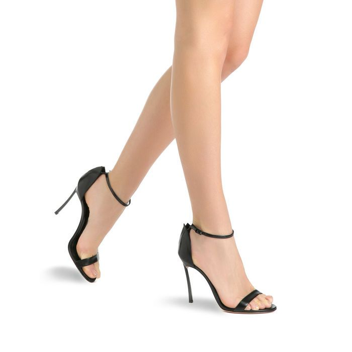 http://www.casadei.com/on/demandware.store/Sites-Casadei-EU-Site/it_IT/Product-Show?pid=8009N122-FI6T104000