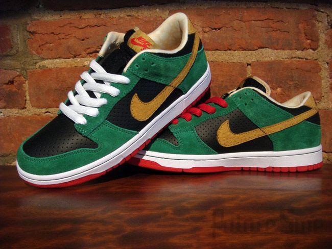 big sale 89627 4bc1f Nike SB Dunk Low – Marvin The Martian | Marvin | Nike sb ...