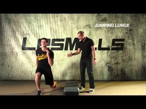 ▶ LES MILLS GRIT™ Series Technique: Lunges - YouTube