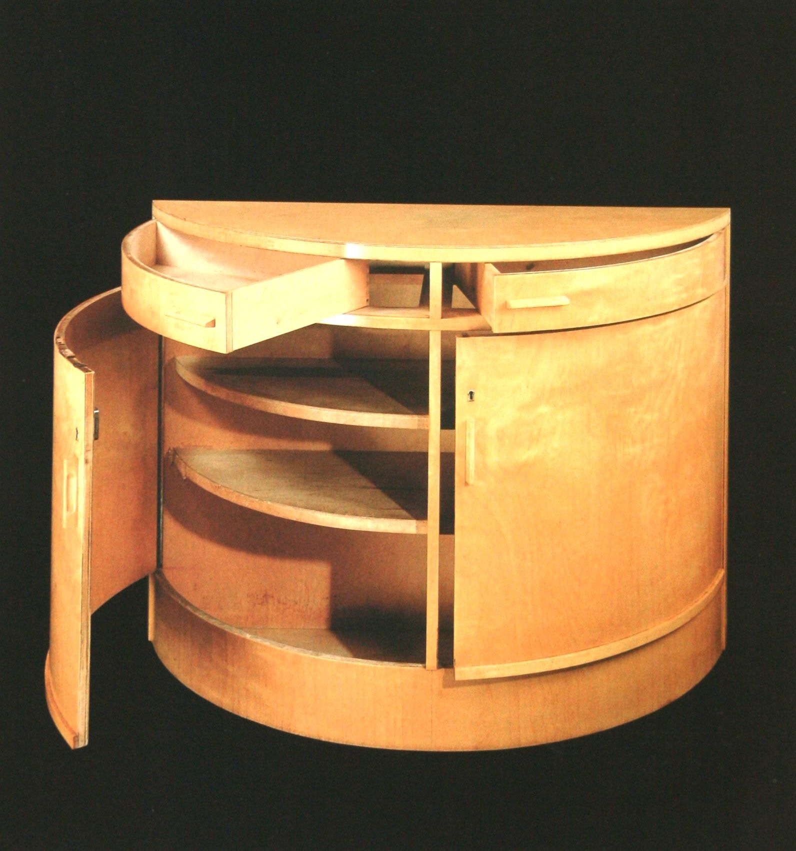 Alvar aalto rounded cupboard in birch after 1935 alvar for Alvar aalto muebles