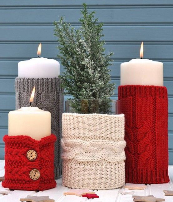 32 Cute And Cozy Knitted Christmas Decorations Digsdigs Knitted Christmas Decorations Christmas Candle Decorations Diy Holiday Candles