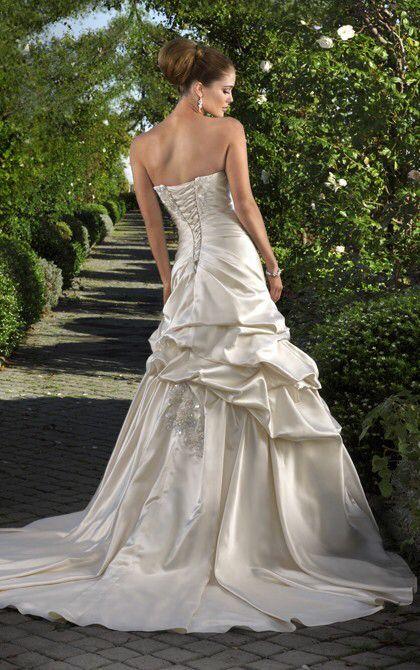 Selling my wedding dress Essence of Australia #selling #bridal ...