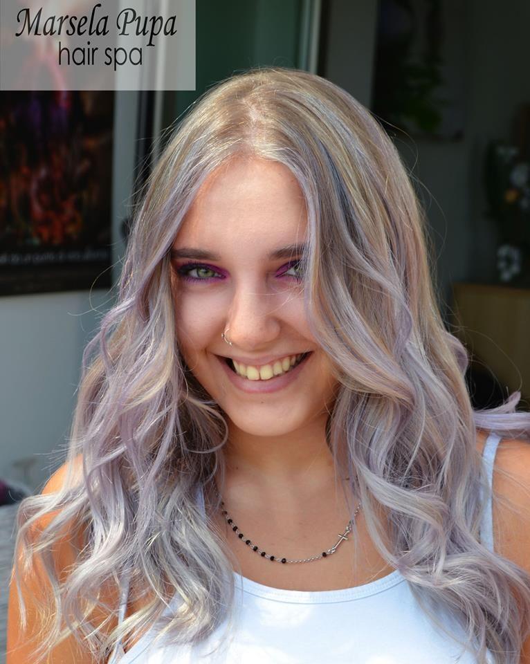 Capelli Silver E Lilla Realizzati Con Free The Spirit Grey