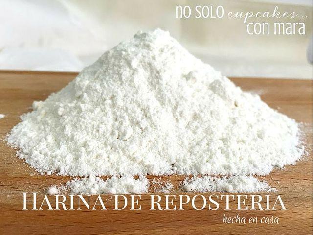 Mas que una receta, la harina de repostería hecha en casa tiene que ser un básico en nuestra cocina, un imprescindible para las recetas de bizcocho. Hace tiempo que encontré la manera de hacer harina
