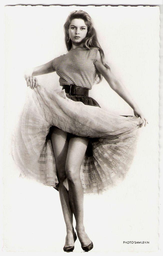 Brigitte Bardot French postcard by Editions du Globe, Paris, no. 597. Photo: Sam Lévin.