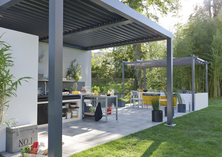 Une longue terrasse abritée | Leroy merlin | Garden canopy, Pergola ...
