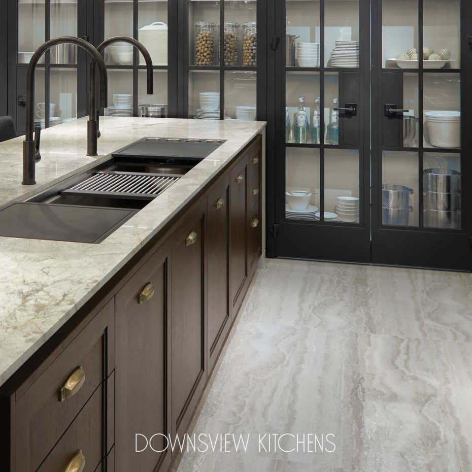 Touch Of Brass Downsview Kitchens And Fine Custom Cabinetry Manufacturers Of Custom Kitchen Cabinet In 2020 Modern Kitchen Design Kitchen Cabinets Custom Cabinetry