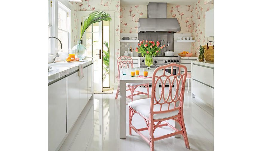 Gut Rethink Flamingos | Behind A Tidy Wall Of Ficus Hedges, Designer Mary McGee  Awakens A