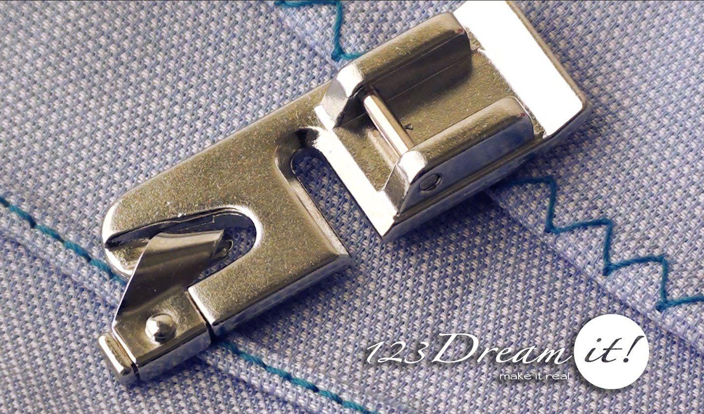 El prensatela de dobladillo estrecho es ideal para hacer pequeños dobladillos con gran facilidad, te ayuda a realizar dobladillos de hasta 5mm con un excelente acabado en el frente y el revés de la tela. El que mostramos en el video es especial de la marca Brother y lo encuentras para máquinas caseras mecánicas y digitales. Lo puedes usar con puntada recta o de zigzag. Visita nuestro sitio web http://www.123dreamit.com/