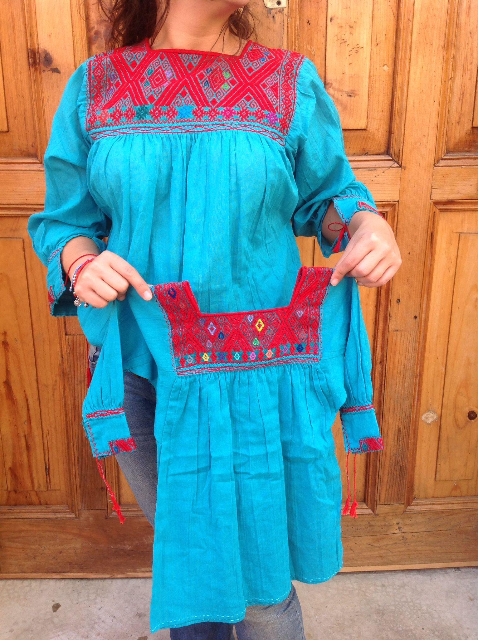 Artesanía Chiapaneca. Blusa bordada a mano en San Andres Larrainzar. Mexican blouse. Ropa de mujer y de niña!  www.yolte.com.mx