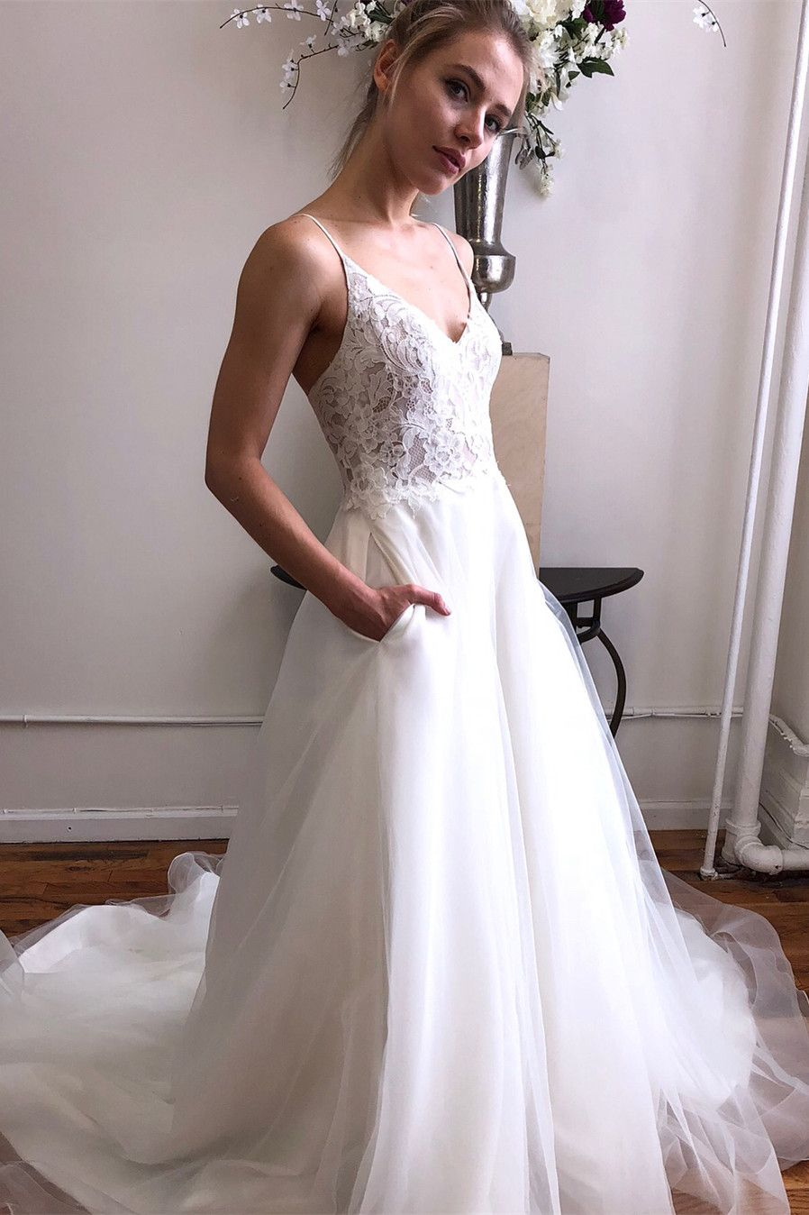Spaghetti Straps White Long Bridal Dress With Pockets 2019 Tulle Long Wedding Dress With Lace T Wedding Dress With Pockets Wedding Dresses New Wedding Dresses