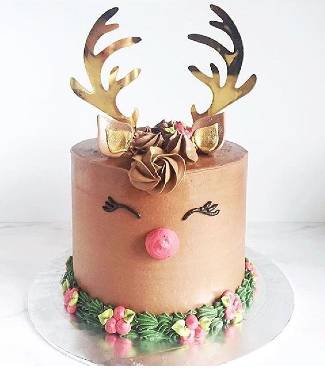 Reindeer Cake Christmas Cake Ideas Reindeer Cakes