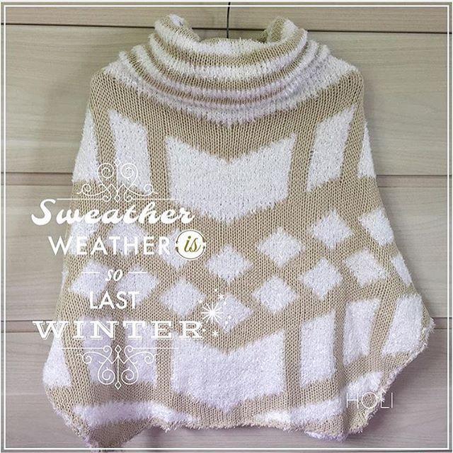 Deixando o moletom de lado para divar com nosso poncho maravilhoso de tricô! 💖 Na promoção por R$159,90!