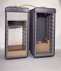 Meubles Containers  Ettore Sottsass, 1972 Mobilier Toilette et Douche Fabricants Boffi, Kartell, Tecno (Italie) et Ideal-Standart (France) Réalisés pour l'exposition Italy: The New Domestic Landscape au MoMA, New York, 1972