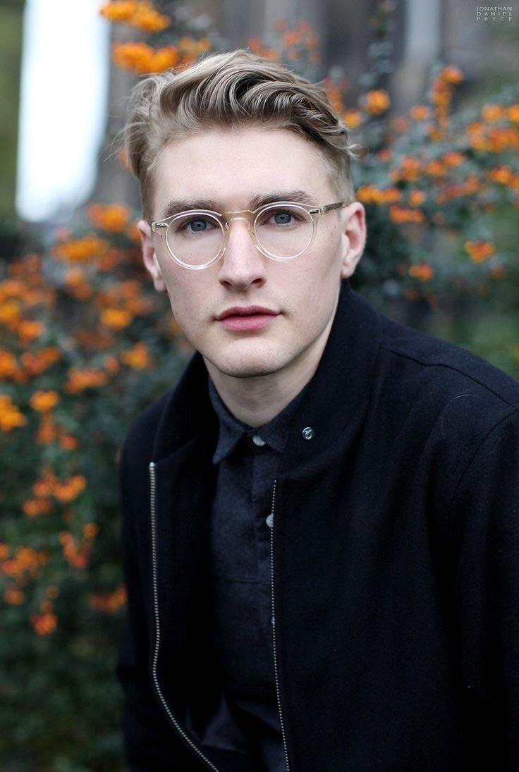 @kenziegrillette ☾ | Männer mit brille, Männer frisuren
