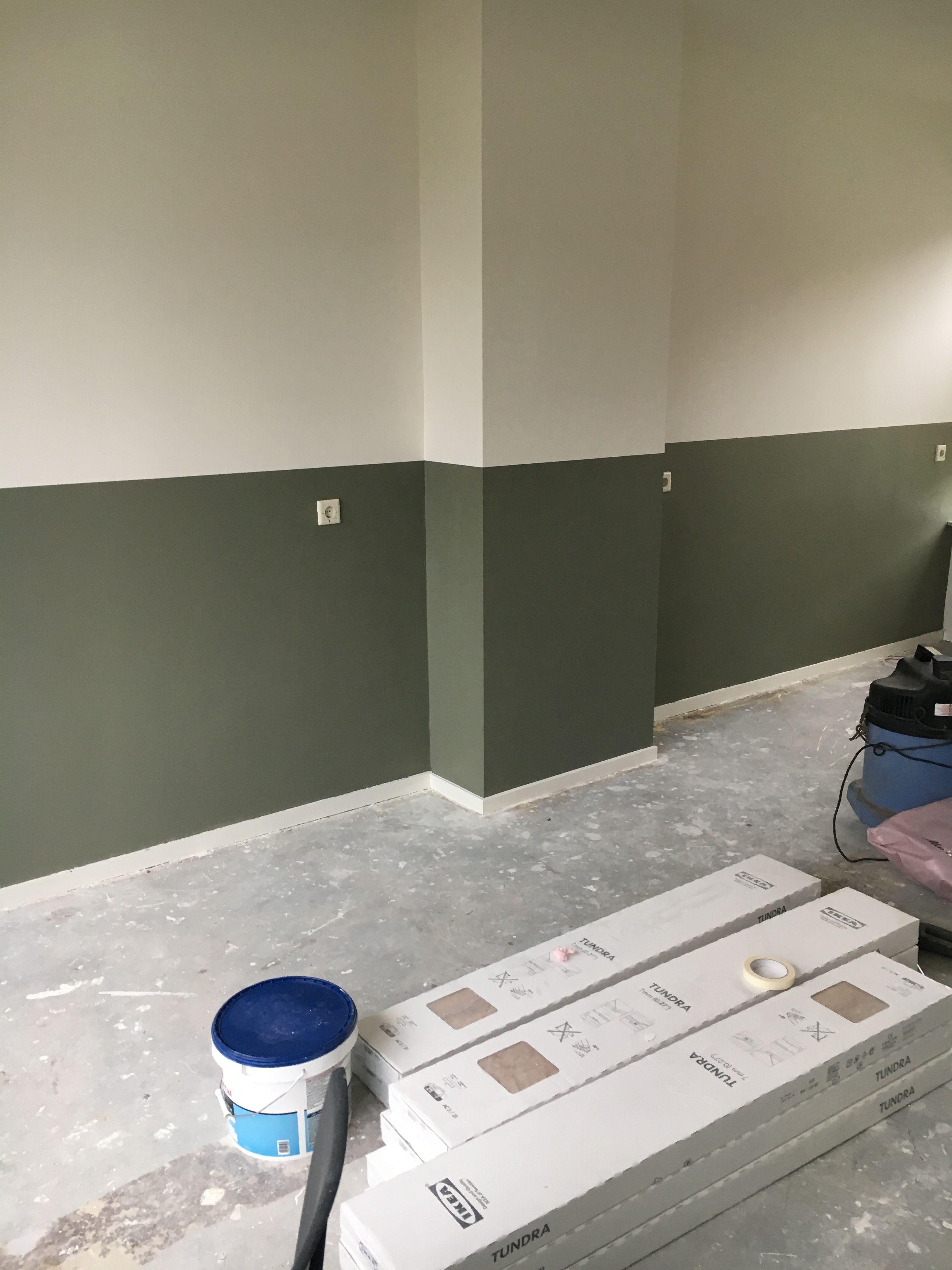 Photo of Lambrisering van verf #camouflagegreen #flexa