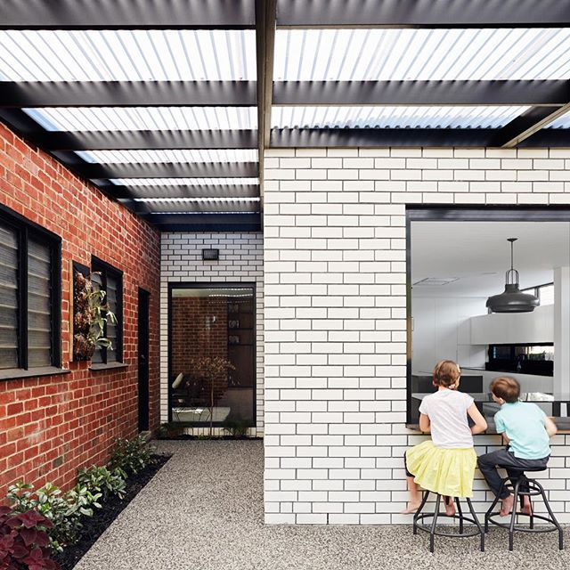 Old red bricks vs new white bricks at #GrampsHouse I'm putting 50 on white and taking a window seat  who you got @three60con ?  by @tomjrross  #australianarchitecture #whitebricks #wegotthis