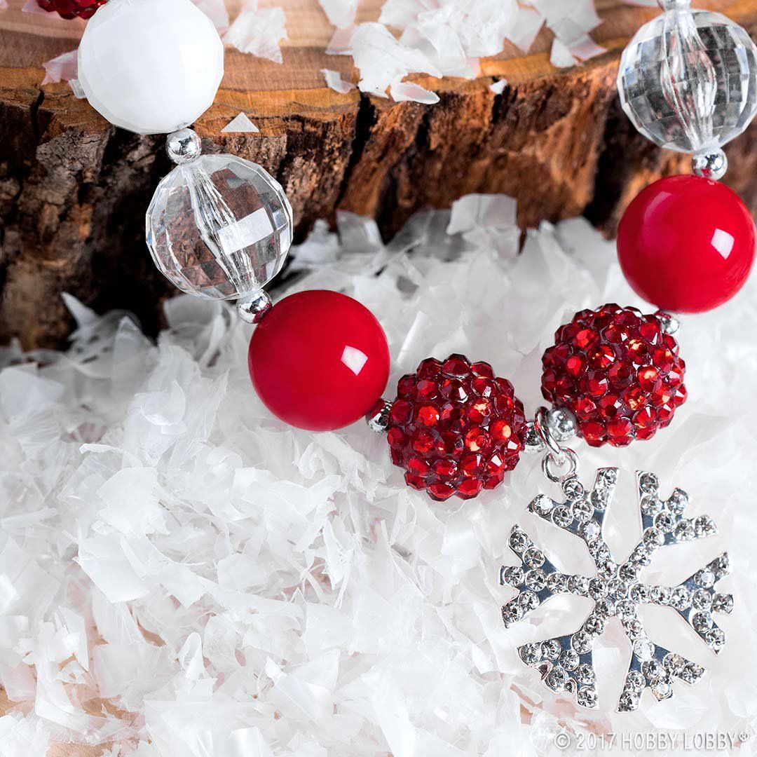 Customized Christmas jewelry is the perfect way to showcase your holiday  cheer! | Christmas crafts decorations, Christmas decor diy, Christmas  projects diy