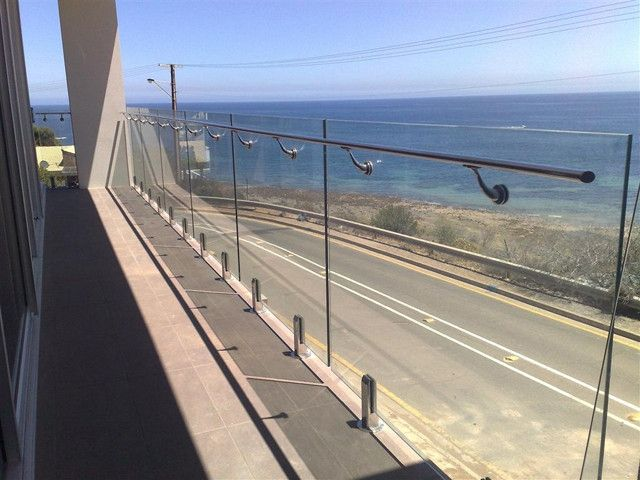 Best Stainless Steel Glass Railing Glass Railing System 400 x 300