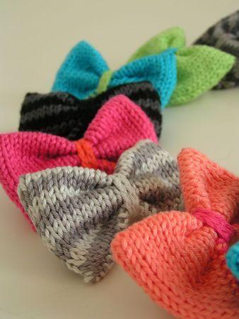 noeuds sur barette crochet tricot tricot et crochet et crochet. Black Bedroom Furniture Sets. Home Design Ideas