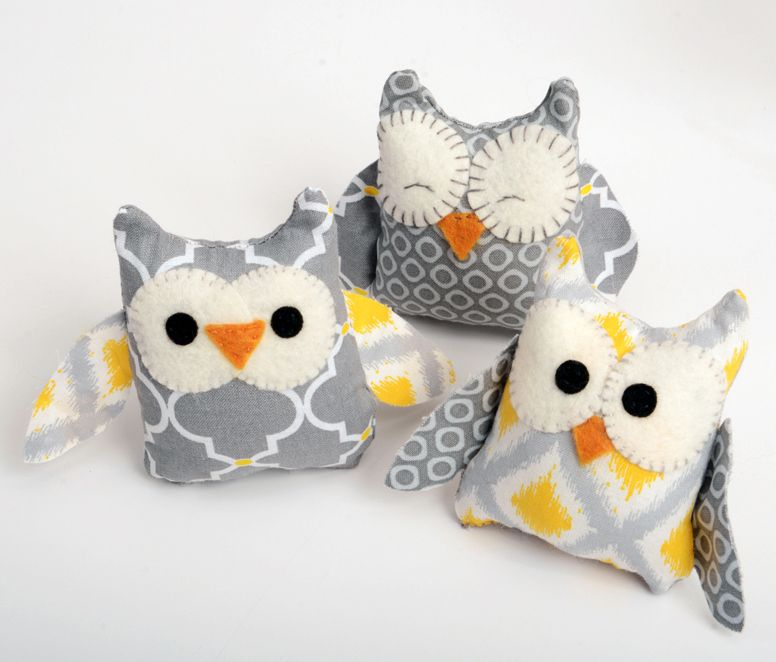 Owl Stuffies, free pattern link, did not check for templates -   24 fabric owl crafts
