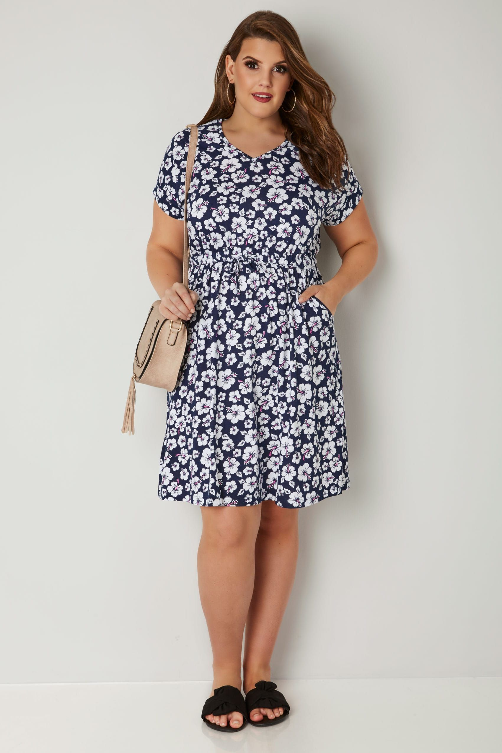 Navy White Floral Print T Shirt Dress With Pockets Elasticated Waistband Plus Size 16 To 3 Plus Size Skater Dress Fit N Flare Dress Plus Size Gowns Formal [ 2550 x 1700 Pixel ]