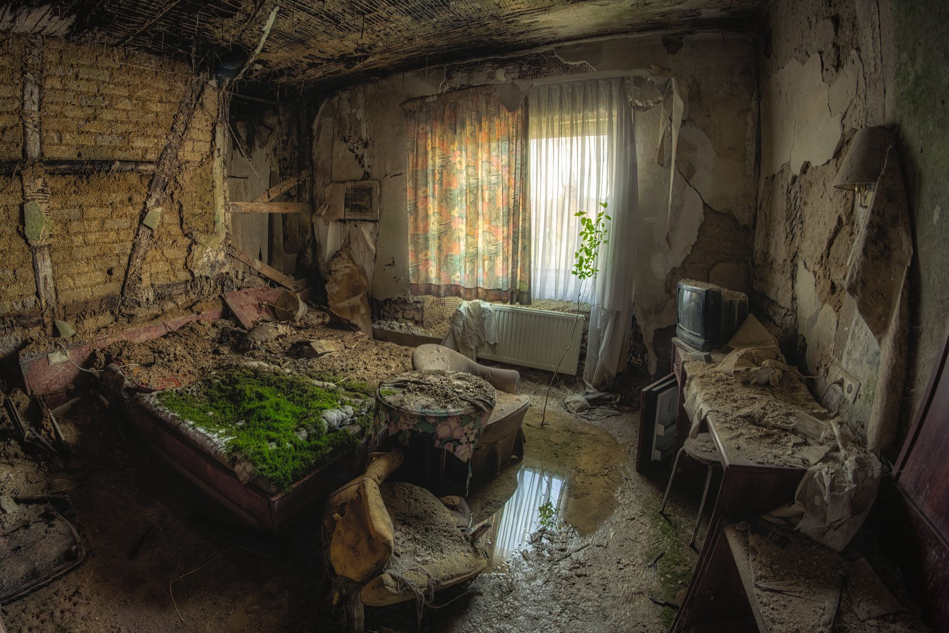 back to nature (re work) - captured in the abandoned Berghotel Deluxe. (2014)