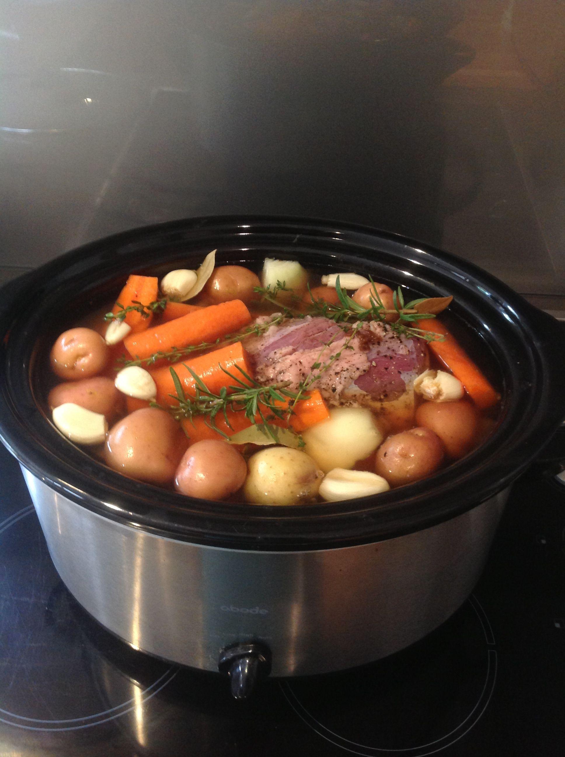 Tonight S Dinner Slow Cooker Corned Beef Silverside All Ingredients In Beef 6 Onio
