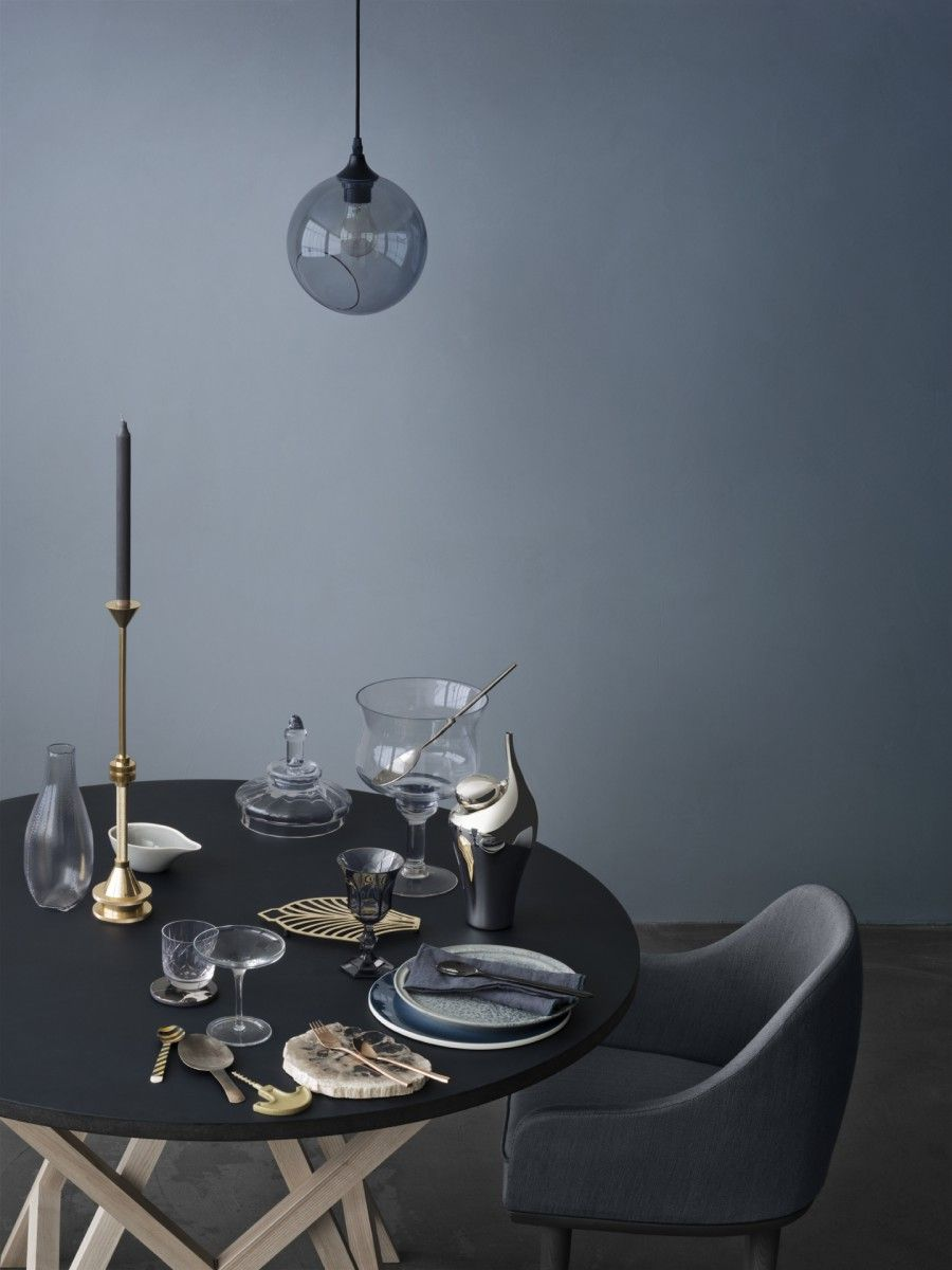 Love The Glass Light And Table. Bild Nummer 4 In Heidi Interieur Stills
