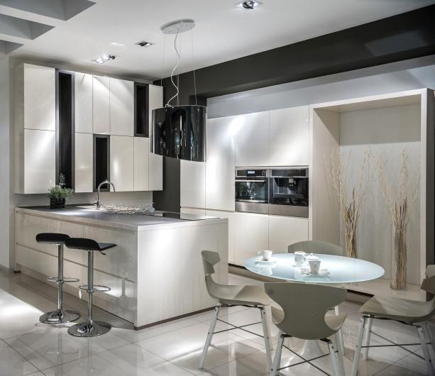 Moderne Küche \/ Holz \/ lackiert - METROPOLITAN  CONTOUR LACK - küche holz modern