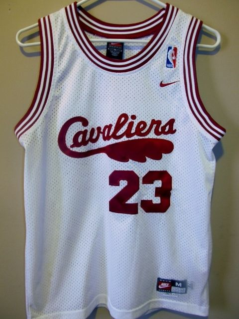 Nike Lebron James Retro Cleveland Cavaliers jersey  079ff4d8c