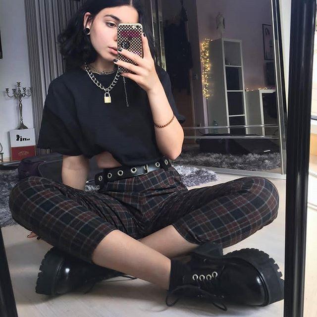 Folgen Sie ALTGirl Alternativer Stil Grunge-Stil Gotischer Stil Grunge Girl Grunge O ...  - fashion - #Alternativer #ALTGirl #Fashion #Folgen #Girl #Gotischer #grunge #GrungeStil #Sie #Stil #grungeoutfits