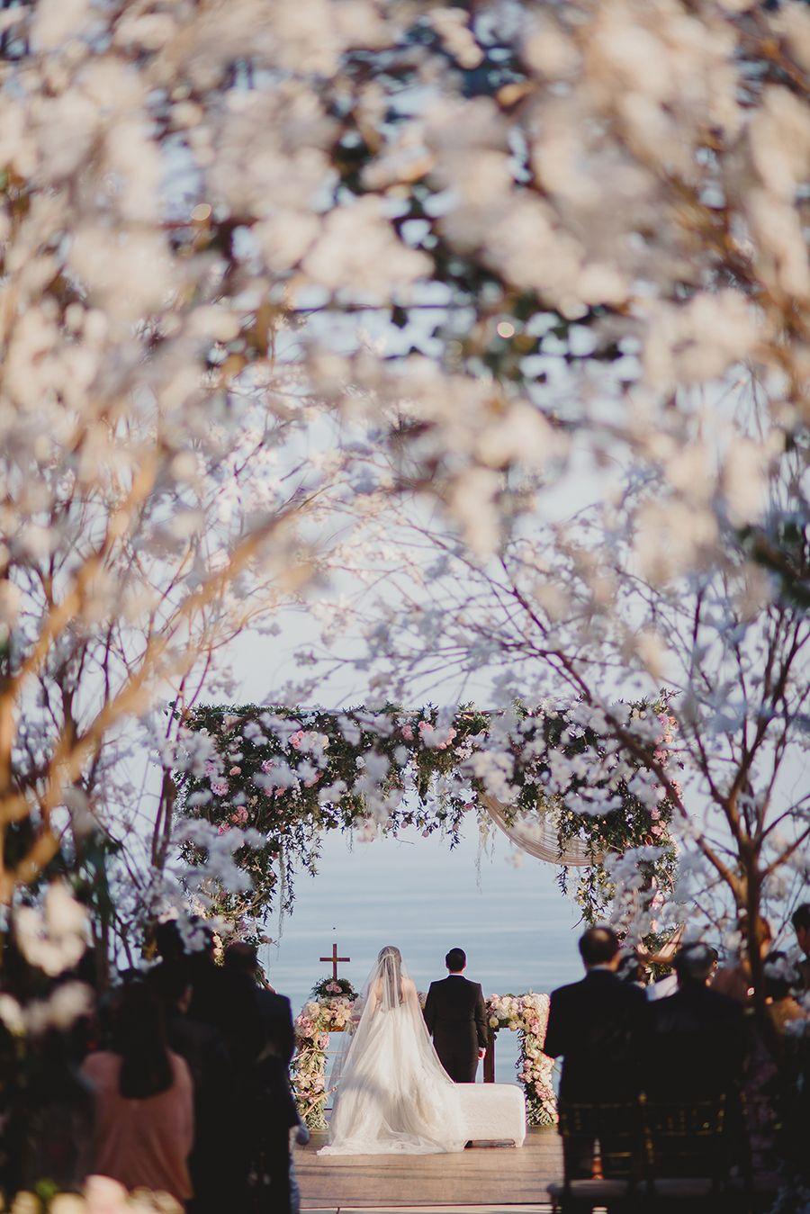 Wilson And Vania S Sakura Garden Wedding At Alila Villas Uluwatu Cherry Blossom Wedding Romantic Rustic Wedding Bali Wedding